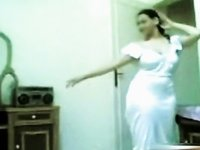 Large girl with huge bazooms strips video on StupidCams