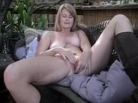 mature laurie solo playing video on StupidCams