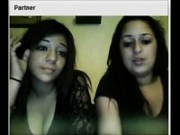 Chatroulette teens flash their tits video on StupidCams