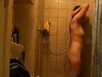 Hairy dutch girl in the shower video on StupidCams