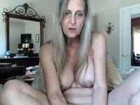 hawt granny with sextoy video on StupidCams