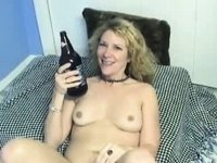 Dilettante - Hawt Blonde Enthusiastic Self Bottling video on StupidCams