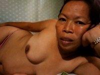 FILIPINA GRANDMA SHOWING HER GOOD MELONS ON WEB CAMERA video on StupidCams