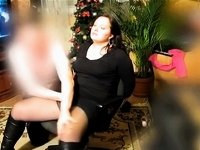 Spanking her clitty with pleasure video on StupidCams