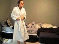 English wife, Beth video on StupidCams