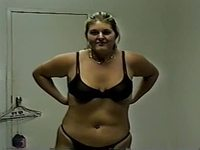 Big girl undress video on StupidCams