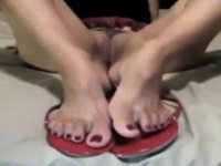 Fascinating toes video on StupidCams
