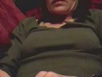 Horny bimbo uses vibrator video on StupidCams