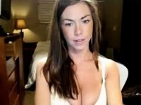 Blondie Plays With Her Vagina In Bed video on StupidCams