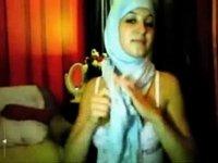 hijab angel fingering video on StupidCams
