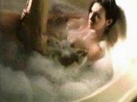 Bathing hottie video on StupidCams