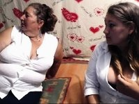 webcam amateur 3 generations grandma mom daugther video on StupidCams