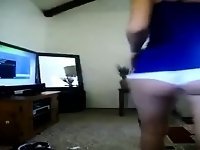 Little booty show off in white pants video on StupidCams