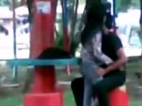 Balak Tirahin Ang Nobya Sa Park video on StupidCams