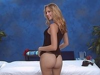 Blonde babe spreading and sucking video on StupidCams