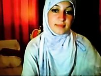 hijab cutie fingering video on StupidCams