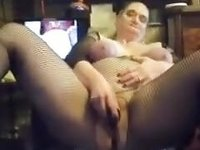 Big thick white bitch on cam pumping her hole with a dildo video on StupidCams