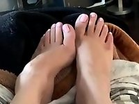 My Ex masterbating and cumming while showing her toes video on StupidCams