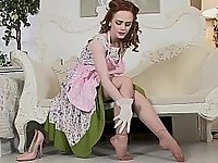 Redhead in vintage clothes video on StupidCams